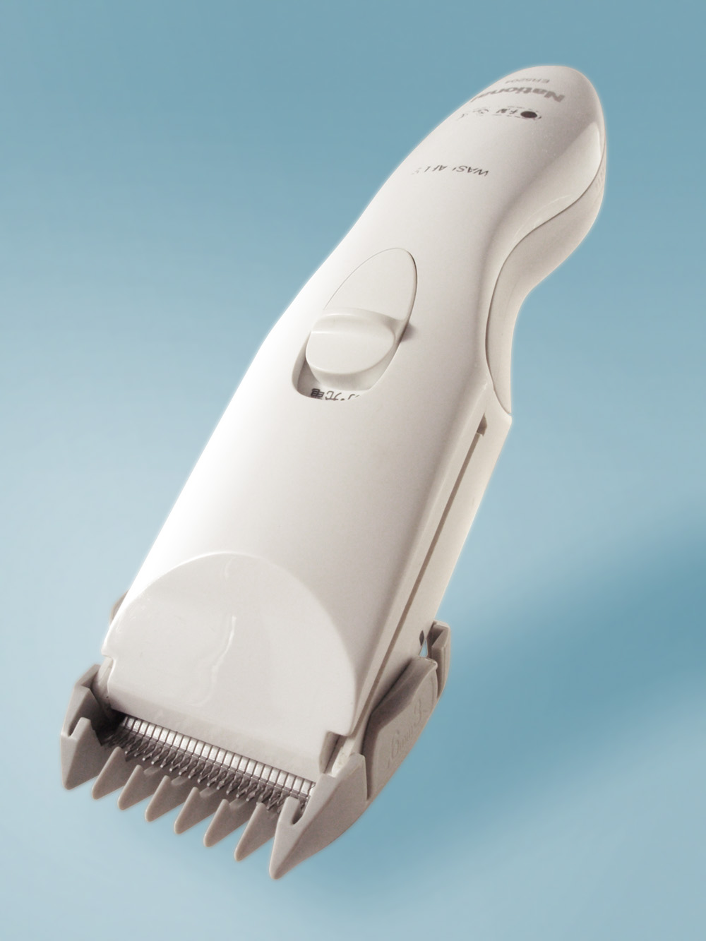 cleaning hair clippers